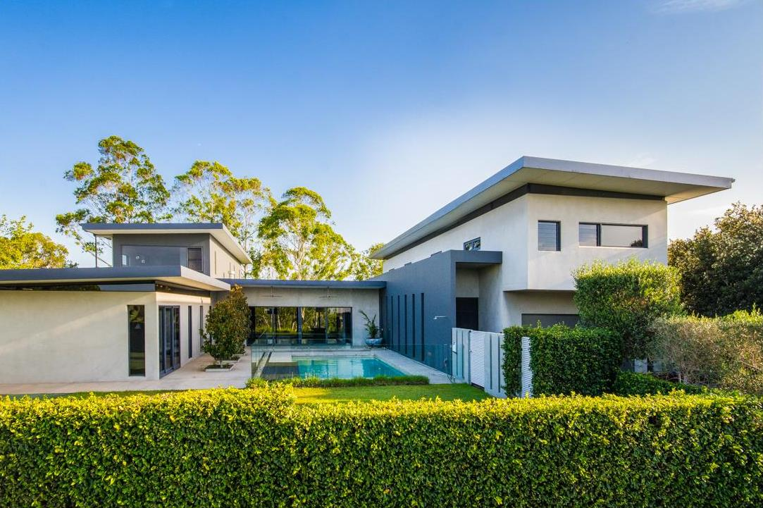 Mountain Top Court project by mdesign, a building design practice that operates on the Sunshine Coast.