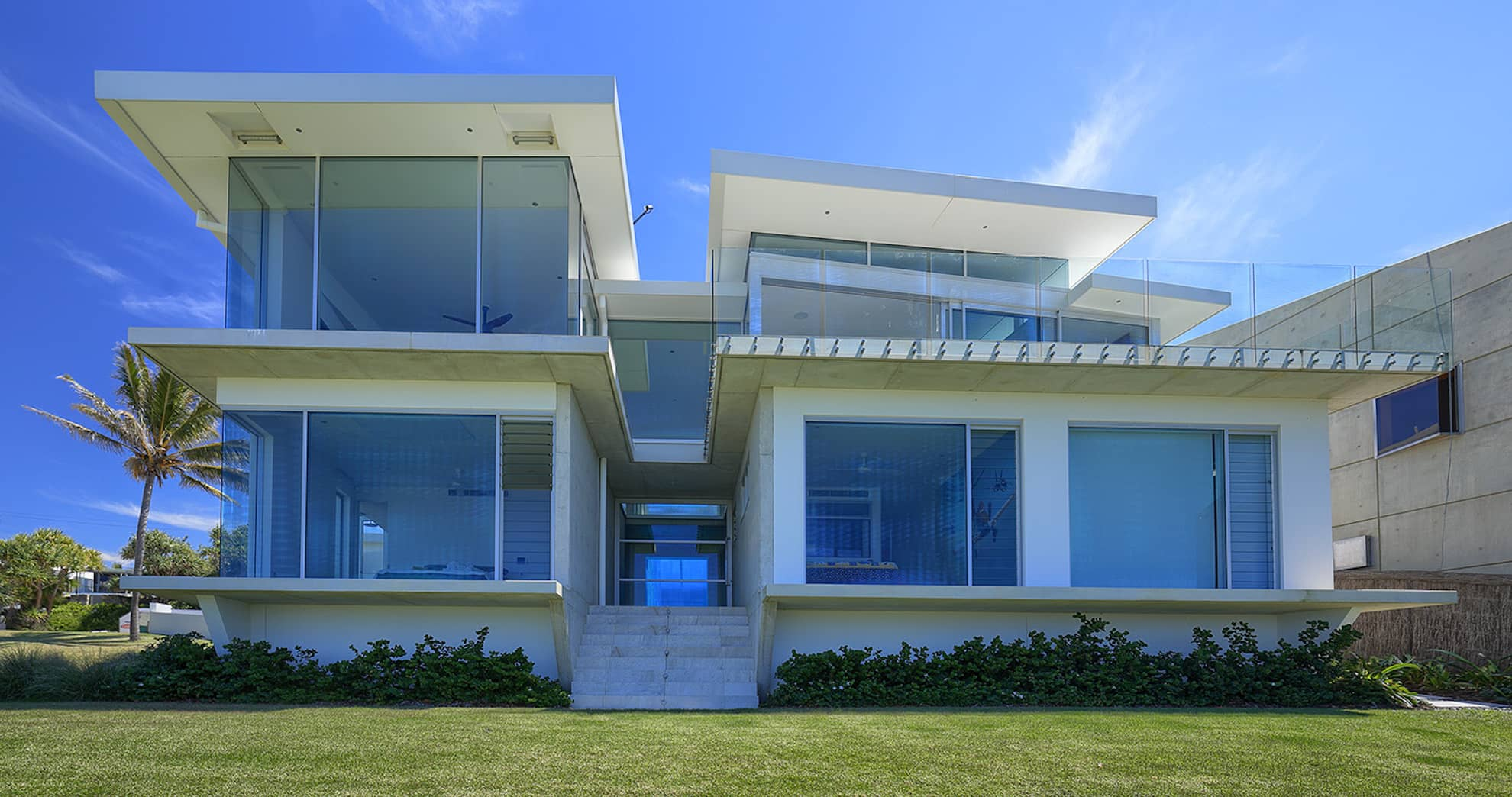 Beaches David Low Way project by mdesign, a building design practice that operates on the Sunshine Coast.
