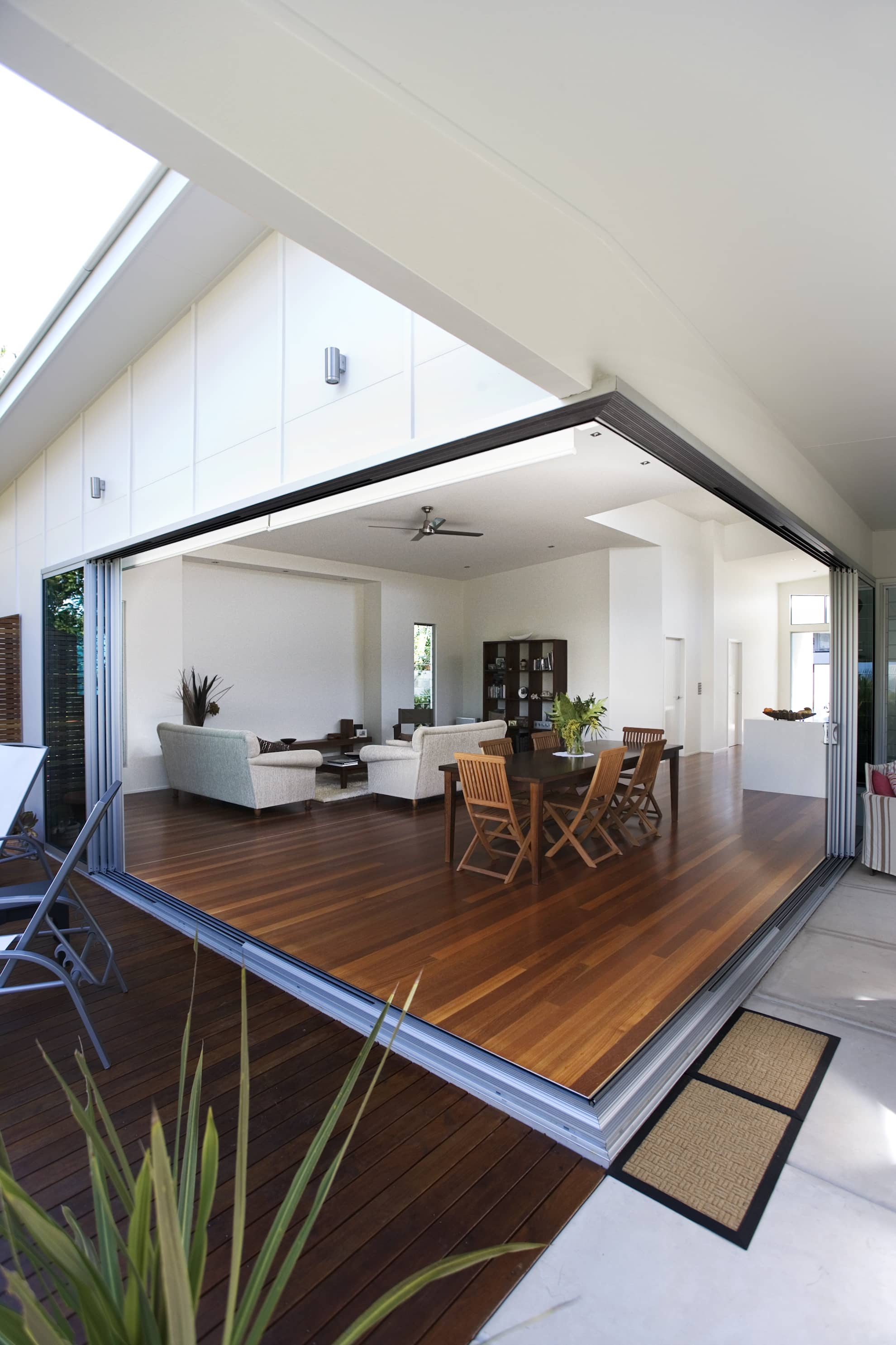 Oceania Crescent project by mdesign, a building design practice that operates on the Sunshine Coast.